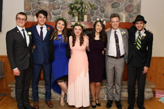 7 great friends graduating from homeschool high school together