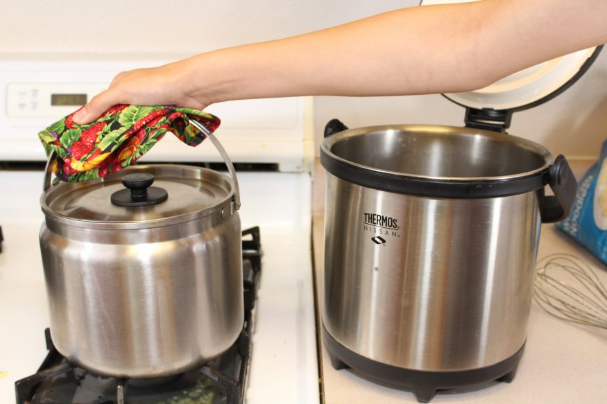 How to Make Yogurt in a Thermal Cooker